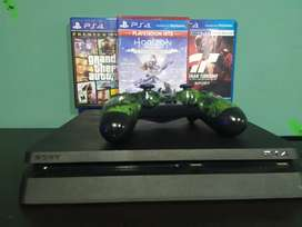 Playstation 4 slim, 1TB y tres juegos
