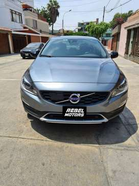 1385. VOLVO S60 CROOS COUNTRY
