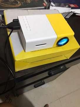 Proyector LED YG300