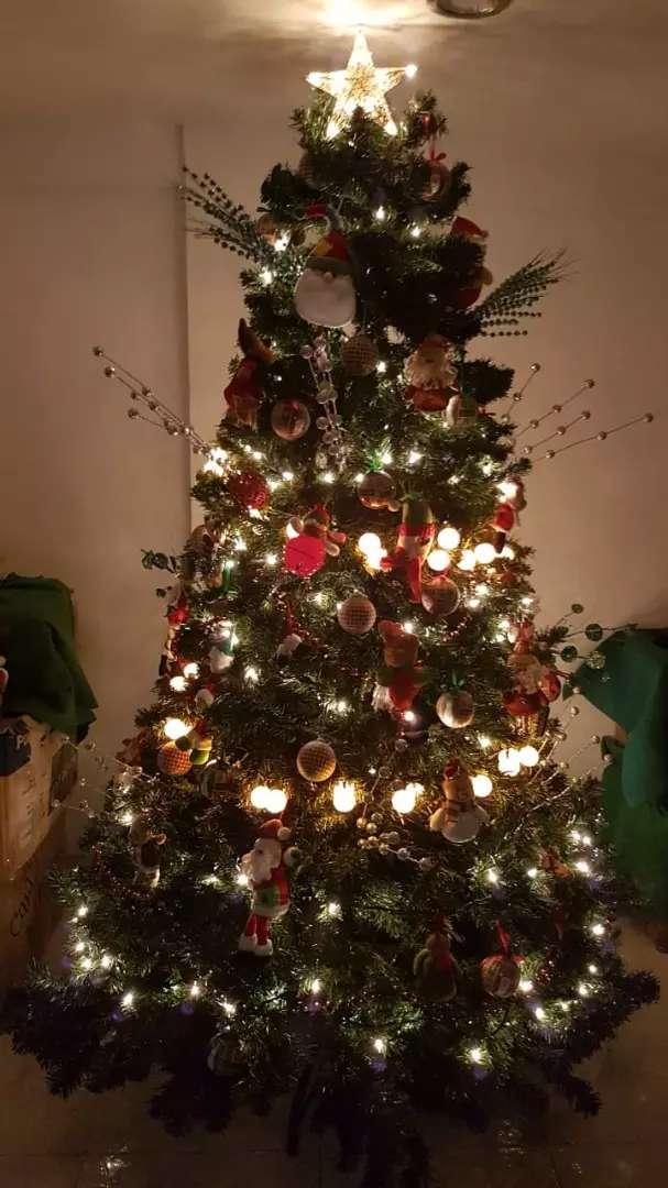 Vendo frondoso árbol de navidad 0