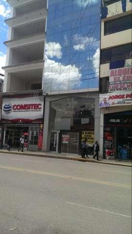 Se alquila local comercial en el centro de Huancayo a media cuadra de plaza constitución