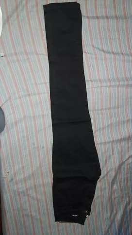 Vendo pantalon negro nuevo