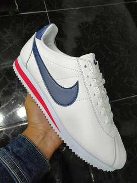 Tenis Nike Cortez dama y caballero