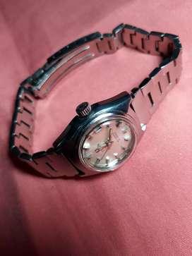 Vendo  cambio  reloj  TUTUS  SUISO  automatico  para  dama