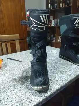 Vendo botas de motocross axo dronw impecables!!