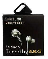 Auriculares AKG exelentes