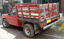 Camioneta de estacas MAZDA 2000