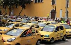 Se necesita conductor de taxi con experiencia