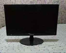 Monitor Samsung S19B150N