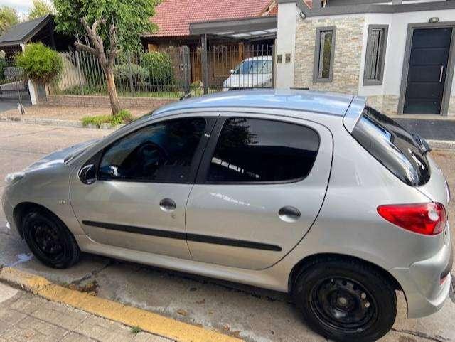 Peugeot 207 XR 1.4 2010
