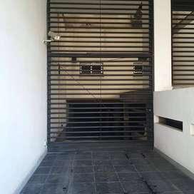 Vta cochera barrio norte - Balcarce 800 U$S 15.000 Con escritura 18.m2 p/auto grande Con rampa y porton eléctrico