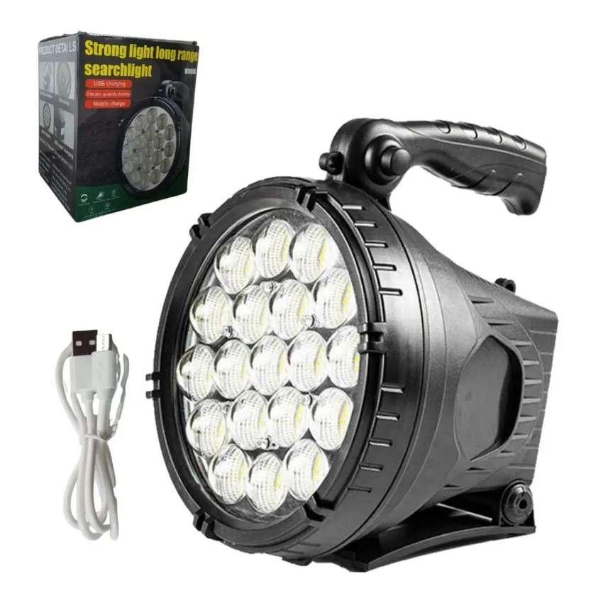 Linterna alto alcance alta potencia recargable reflector luz fuerte