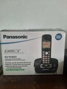 Teléfono Panasonic contestador  inalambrico, modelo kx-tg4021