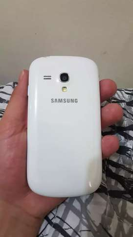 Samsung  se mini en pergectas conditions