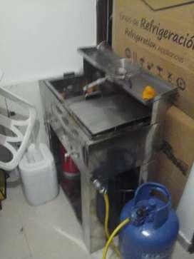 vendo fritador horno vitrina carpa pipa asador de carbon