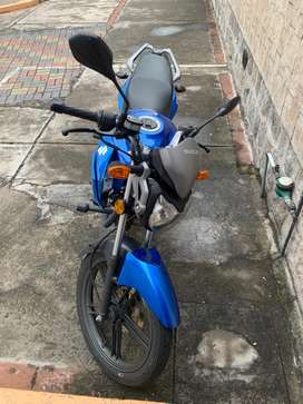Vendo moto suzuki año 2019 papeles en regla