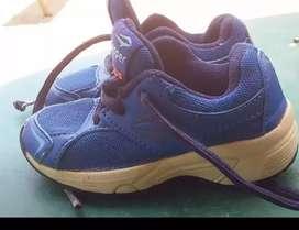 Vendo zapatillas niño...