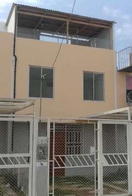 Vendo Casa  3 Pisos Domus Nvo. Chimbote