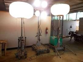 Torres de iluminación modelo globo.