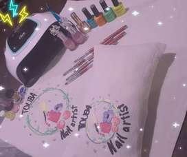 Nails ..mantel y almohadita para uñas