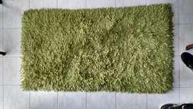 vendo tapete usado color verde pistacho