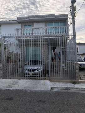 Se vende casa grande remodelada