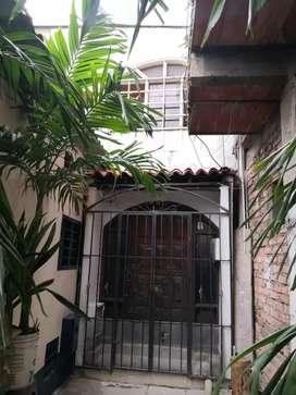 Se vende casa en cuatro vientos (San Luis)