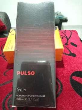 Se vende loción Pulso de Esika 100ml.
