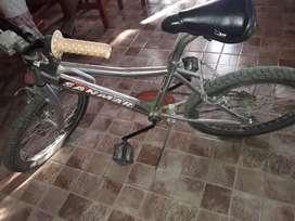Cambio bici cromada y 3000 x un buen celular