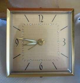 Exquisito Reloj Despertador Mecánico. Funcionando.