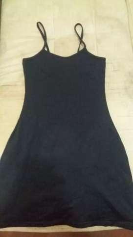Vestido negro como Nuevo talla M 20 mil