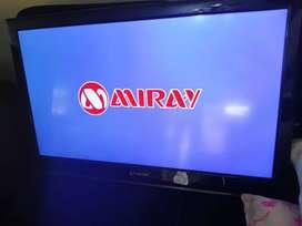 TELEVISOR LED DE 32 PULGADAS MARCA MIRAY, SE ENTREGA CON SU CONTROL Y SUS PATITAS.