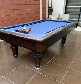Hermosa mesa de billar