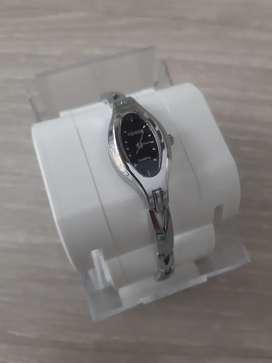 Reloj / Renos / Plateado