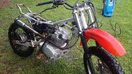 Vendo o permuto Motomel x3m 125
