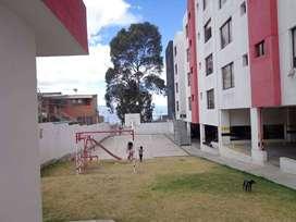 Vendo lindo apartamento por la embajada americana de 3 dormitorios más 2 estacionamientos y una bodega