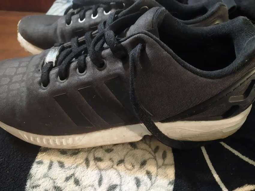 Zapatillas Adidas originales. 0