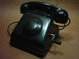 Antiguo Teléfono a Magneto De Baquelita Con Accesorio