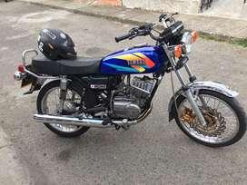 Rx 100 azul