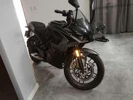 Bajaj RS 200 impecable 300 kilómetros