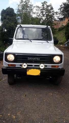 Carro 4x4 Daihatsu Rocky