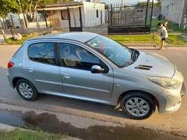 vendo urgente Peugeot 207 xt 1.6 16 v 2009 excelente estado