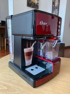 Cafetera Oster Automática Prima Latte - Espresso, Latte, Capuccino