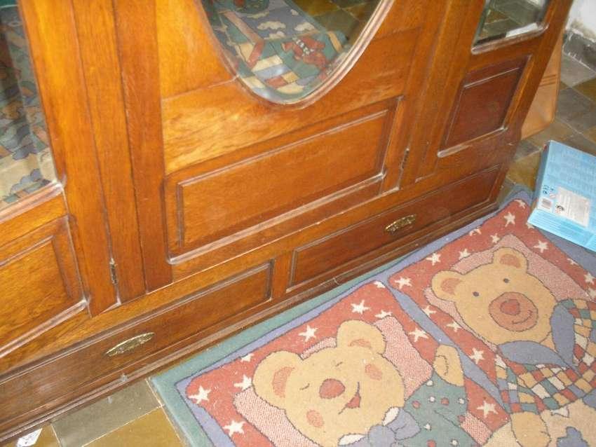 Antiguo ropero de Roble eslavonia.Espejo NuevoImpecable 0
