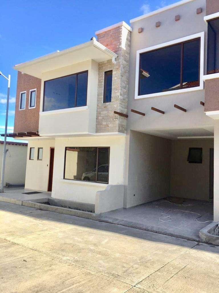 Hermosa Casa de Venta, Sector Camino Viejo a Baños 0