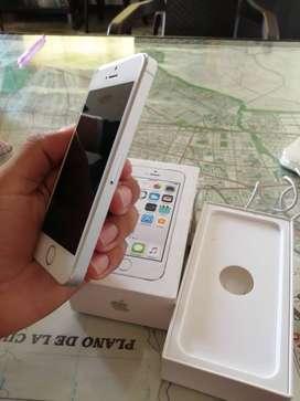 Vendo Celular iPhone 5s Excelente Estado.