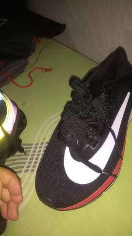 Se venden Nike original 42 nuevo sin estrenar