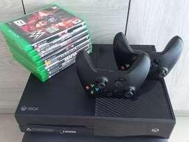 Xbox One 500gb + Joystick  + 8 Juegos