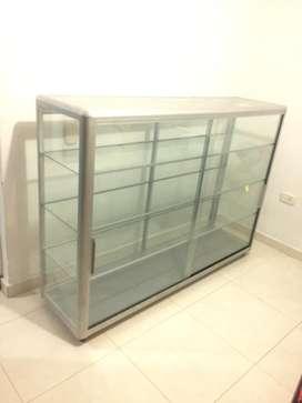 Vitrina metalica en vidrio