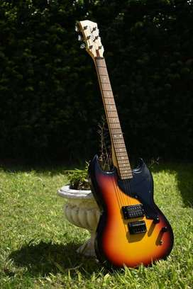 Permuto guitarra kramer SG por una electroacústica